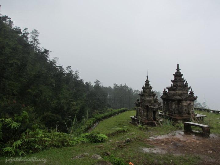 Hutan vs Candi