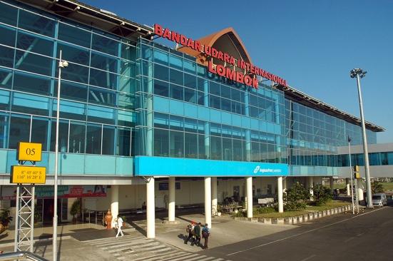 Bandara Lombok yang baru. Keren.